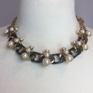 Jewelry - Gold and Black Chain Faux Pearl Choker
